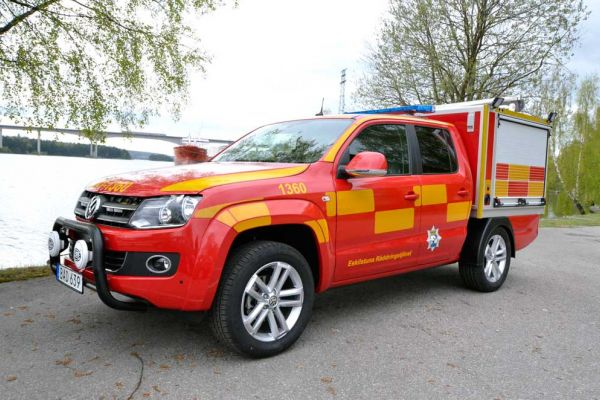 VW-Amarok-Raddninstjansten-1000x662